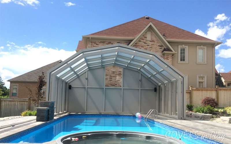 A Retractable Pool Enclosure Provides People Various Benefits. It Protects  Them From Harmful Ultraviolet Rays As Well As Mosquitoes And Wasps.